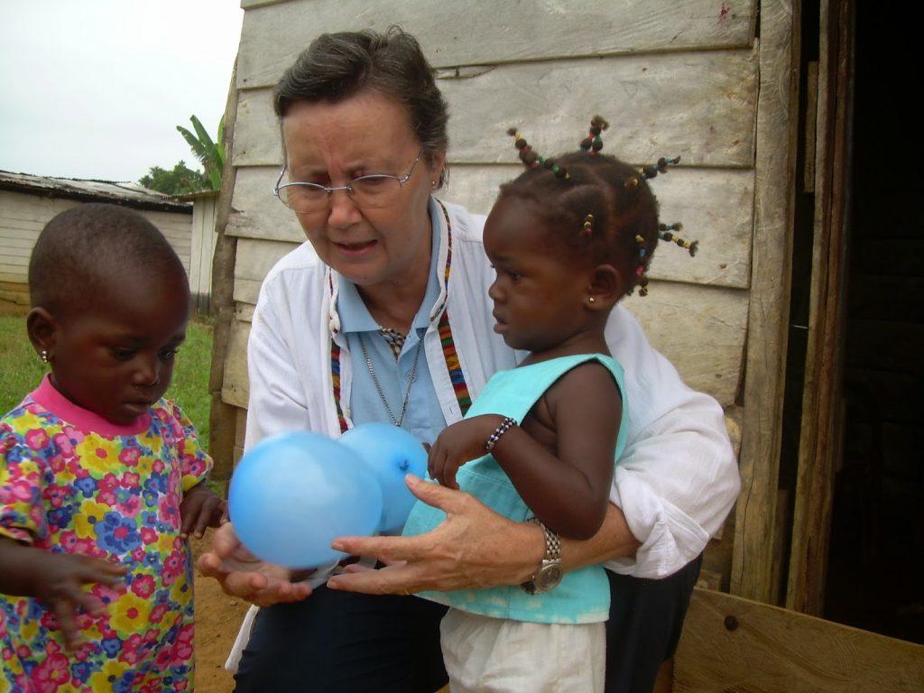 Una misionera calasancia, en Guinea Ecuatorial
