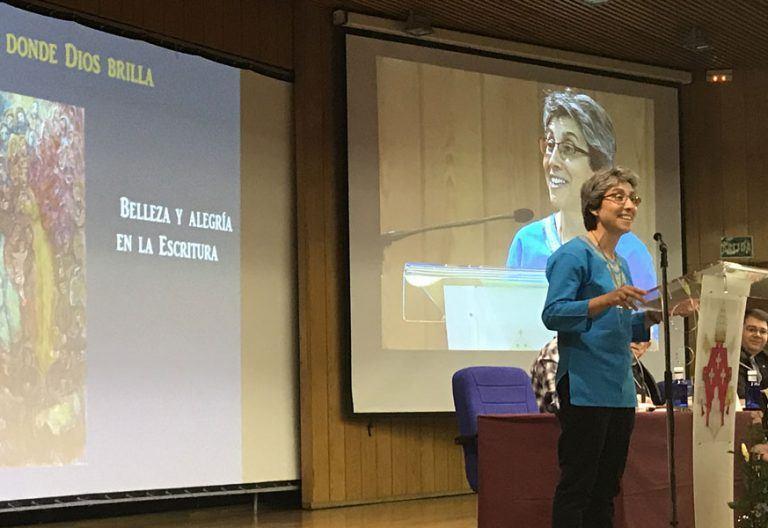 Mariola López, religiosa del Sagrado Corazón de Jesús, en la 46 Semana Nacional de Vida Consagrada del ITVR abril 2017
