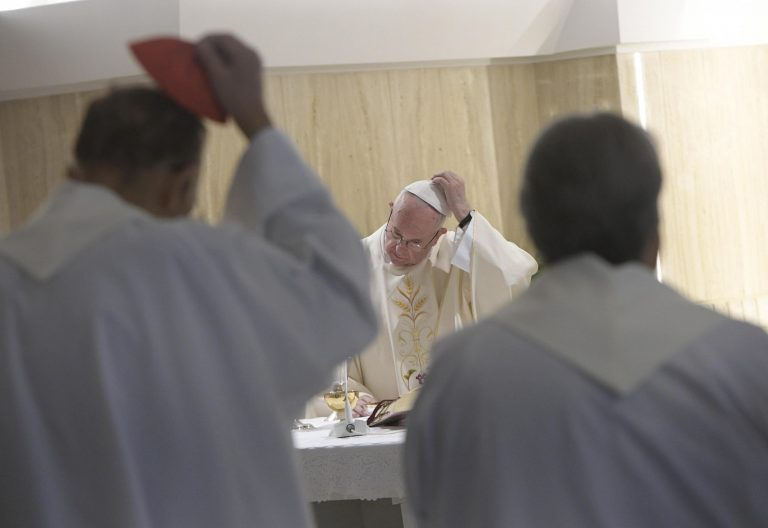 Francisco, en una eucaristía en Santa Marta