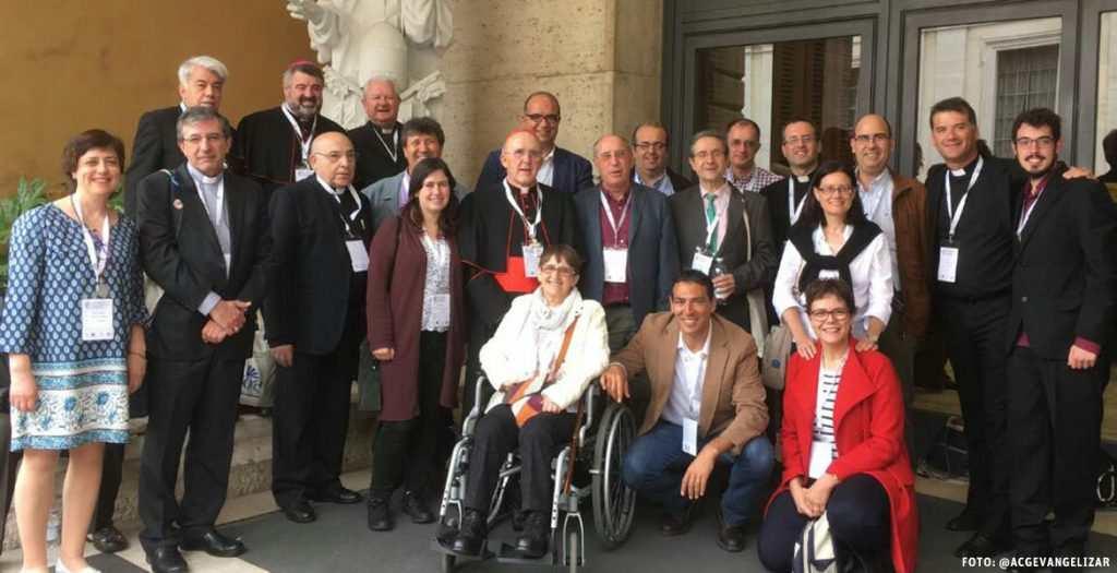 foto de familia delegación española II Congreso Internacional Acción Católica Roma abril 2017