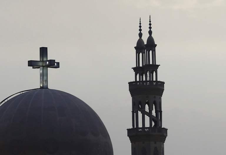iglesia cristiana y mezquita en El Cairo Egipto