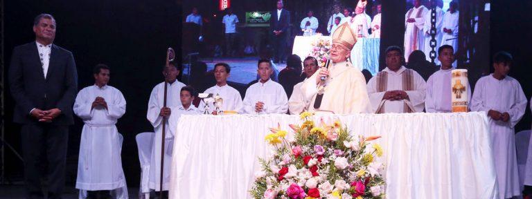 misa primer aniversario terremoto Ecuador abril 2017 con Rafael Correa