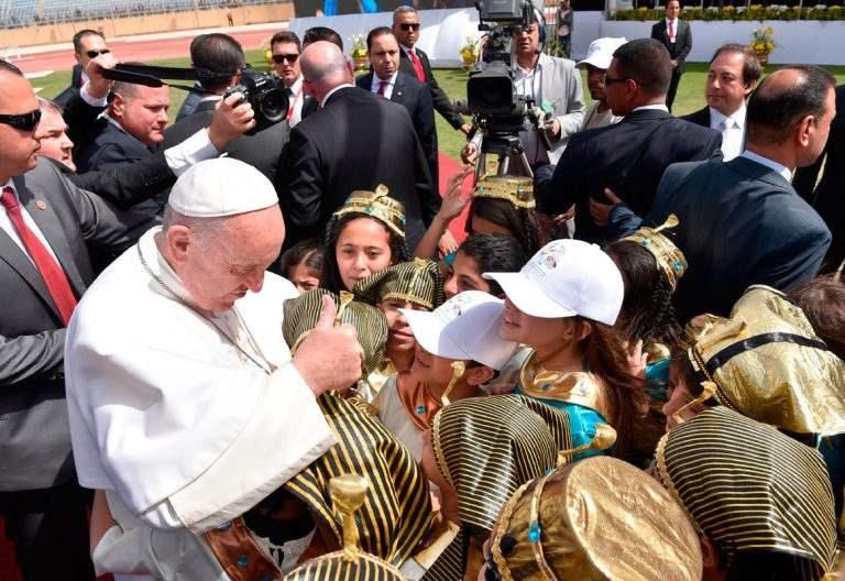 papa Francisco viaje Egipto 29 abril 2017 preside misa con los católicos Estadio Air Defense