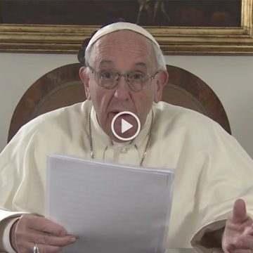 papa Francisco envía un vídeo sobre Lorenzo Milani a participantes Feria Milán presentación libro abril 2017