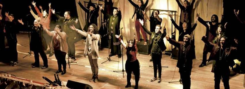 33 el musical, de Toño Casado sacerdote concierto