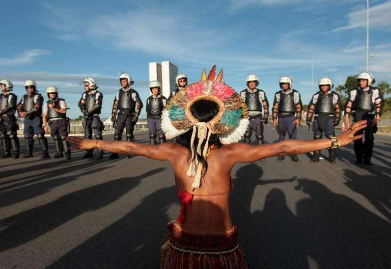 Protesta indígena en Brasilia Brasil