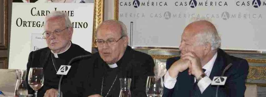 Cardenal Amigo, cardenal Ortega y exministro Moratinos en la presentación del libro del cardenal de La Habana en Madrid