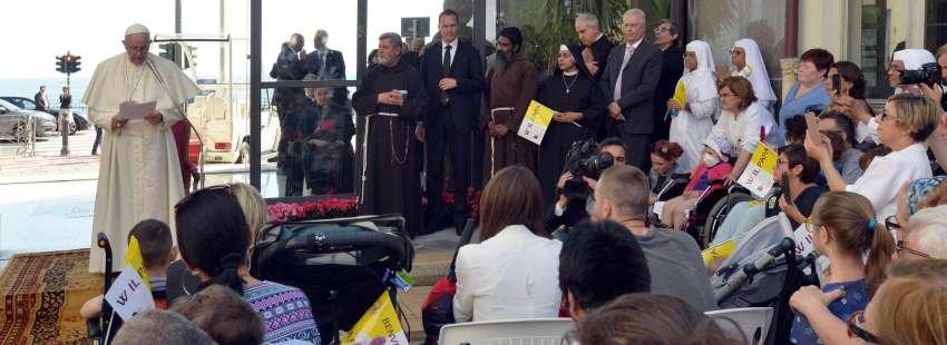 Francisco visita el Hospital Pediátrico Giannina Gaslini de Génova
