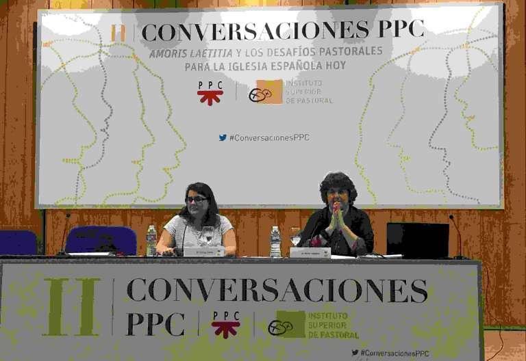 Pepa Torres, durante su ponencia en la segunda edición de Conversaciones PPC el 5 de mayo de 2017