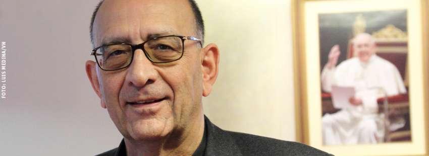Juan José Omella, arzobispo de Barcelona y neocardenal cuadro papa Francisco