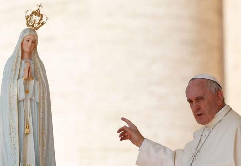 El papa Francisco, durante una audiencia general en el día de la Virgen de Fátima en mayo de 2015 en el Vaticano