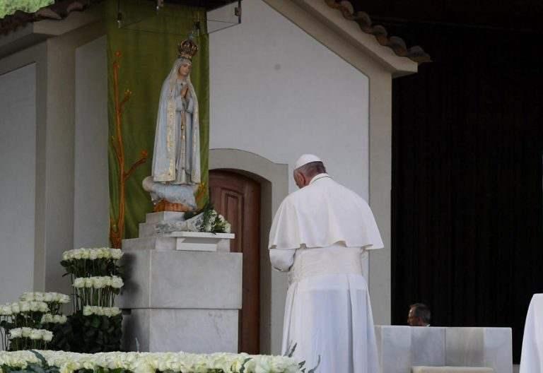 papa Francisco viaje portugal reza Santuario Fátima Capilla de las Apariciones 12-13 mayo 2017