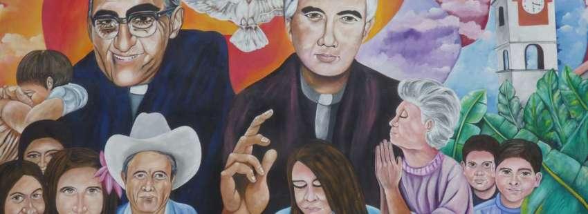 mural en El Salvador dibujando beato Óscar Romero y Rutilio Grande en una mesa de eucaristía