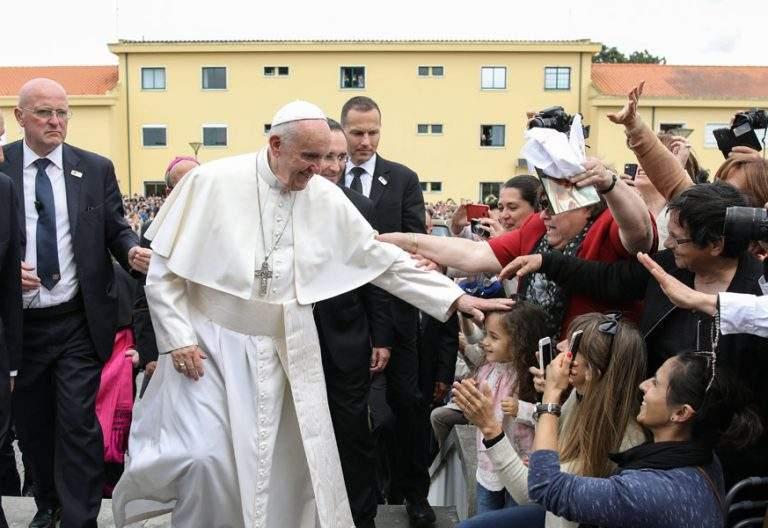 papa Francisco se despide viaje Portugal Fátima 12-13 de mayo de 2017