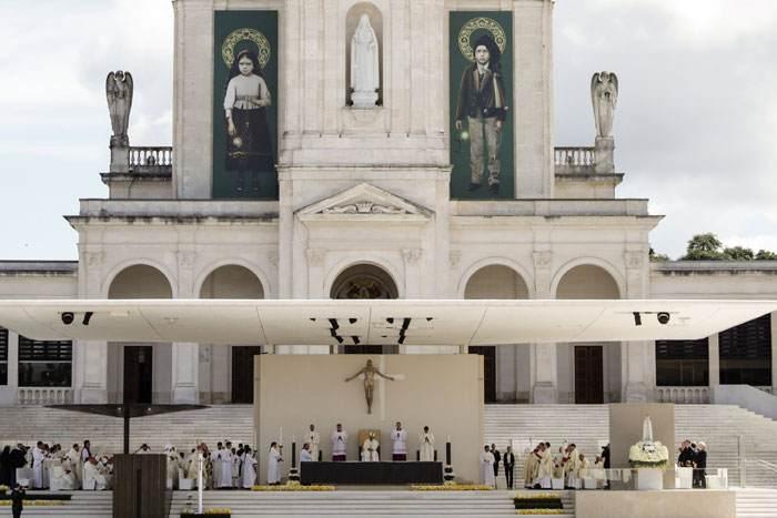 papa Francisco en Fátima Portugal misa en el Santuario viaje 12 13 mayo 2017