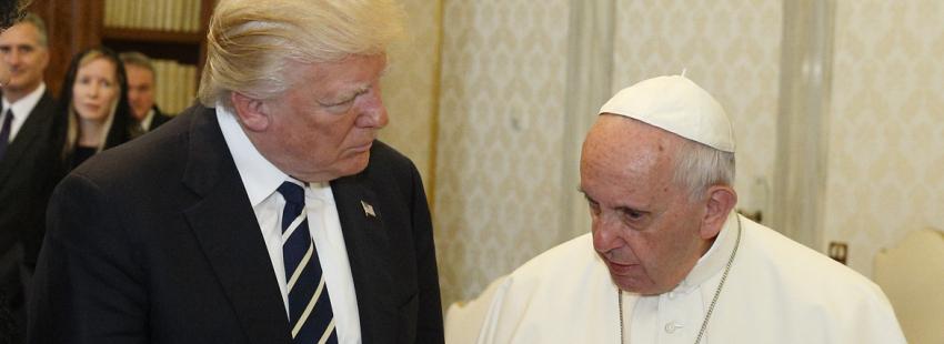 Donald Trump, Melania Trump, Ivanka Trump y su esposo, durante la audiencia del Papa Francisco el 24 de mayo de 2017