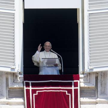 El papa Francisco, durante el Ángelus del 18 de junio de 2017 plaza San Pedro