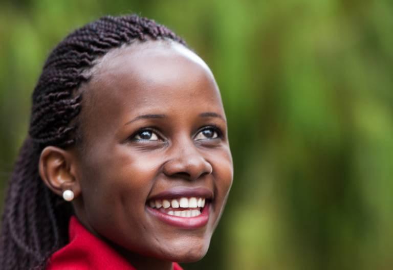 Mireille Twayigira, refugiada de Ruanda y médico en Malawi