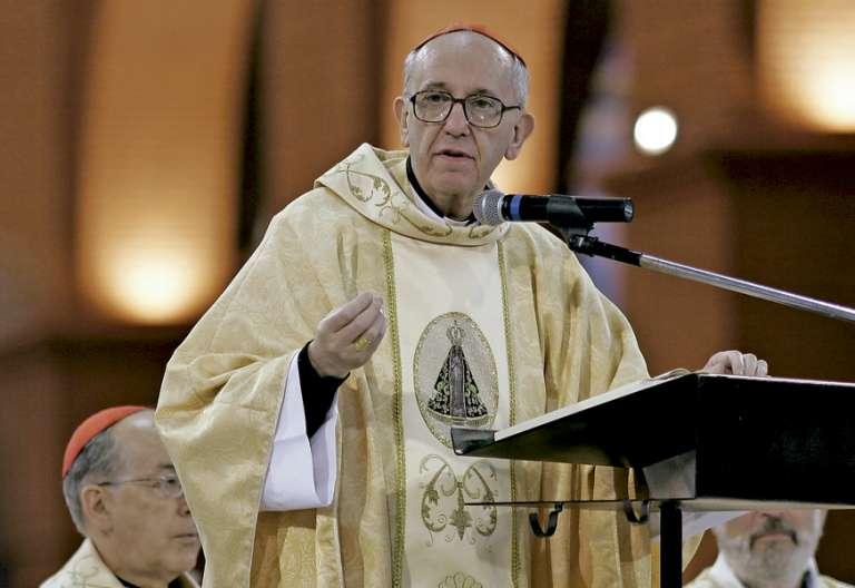 cardenal Jorge Mario Bergoglio arzobispo de Buenos Aires en Aparecida 2007