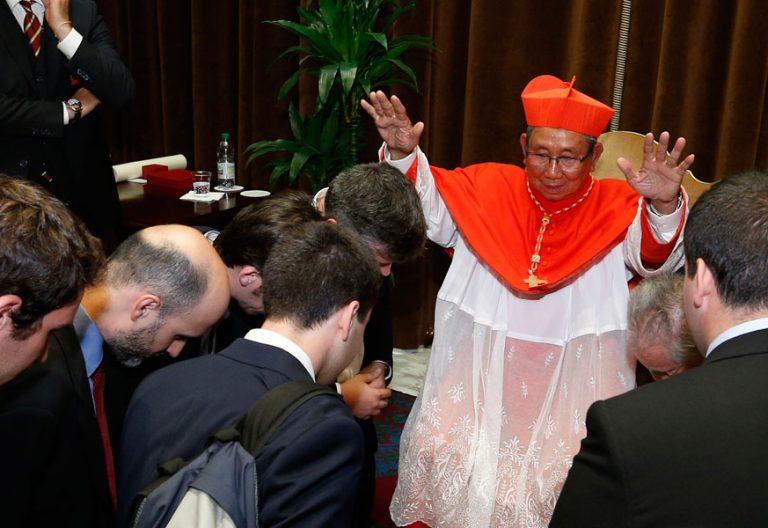 El cardenal de Laos, creado cardenal el 28 de junio 2017