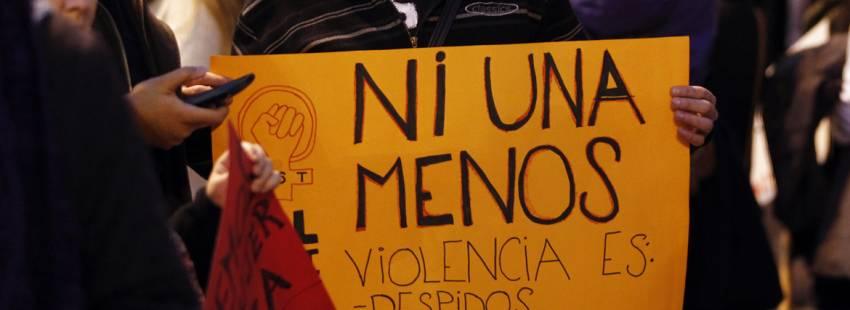 cartel Ni una menos contra la violencia machista y asesinato de mujeres