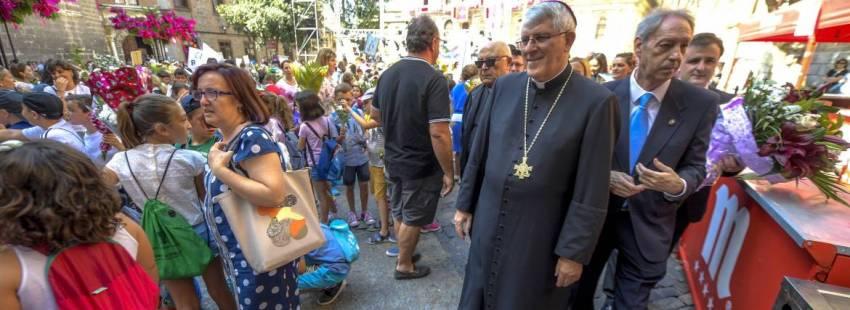 El arzobispo de Toledo, Braulio Rodriguez, durante la ofrenda floral del Corpus Christi en la Puerta de los Reyes de la Catedral Primada /EFE