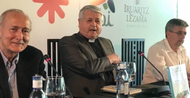 De izda. a dcha., Juan María Laboa, Luis de Lezama y Luis Fernando Crespo