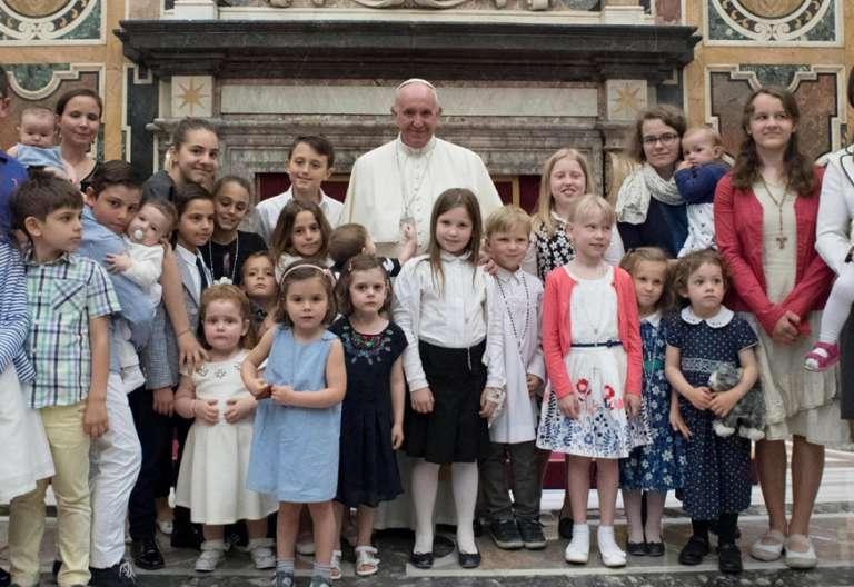 papa Francisco audiencia Federación Europea de Asociaciones de Familias Católicas junio 2017
