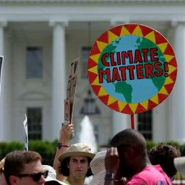 Una manifestación ante la Casa Blanca contra Trump por negar el cambio climático/CNS