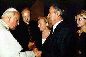 Juan Pablo II, con la familia de Miguel Ángel Blanco san Papa ETA