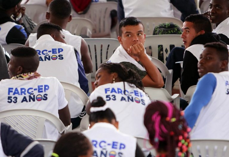 Integrantes de las FARC durante la ceremonia de dejación de armas