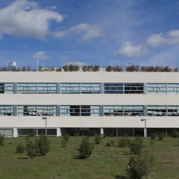 Fachada del colegio High Lands Los Fresnos de Boadilla del Monte (Madrid)