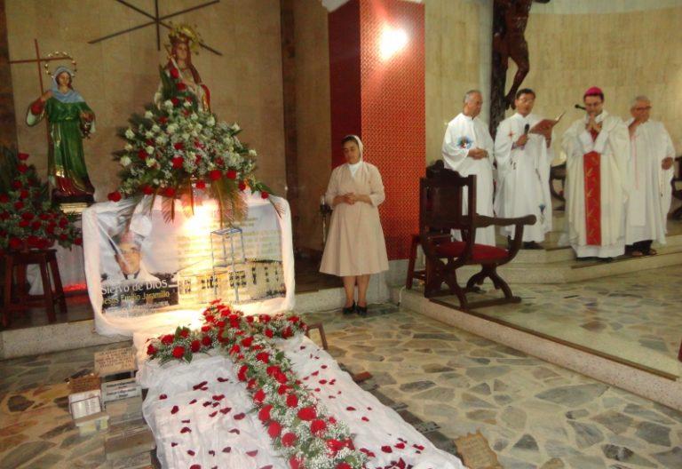 Sepulcro del obispo Jesús Emilio Jaramillo, asesinado por el ELN