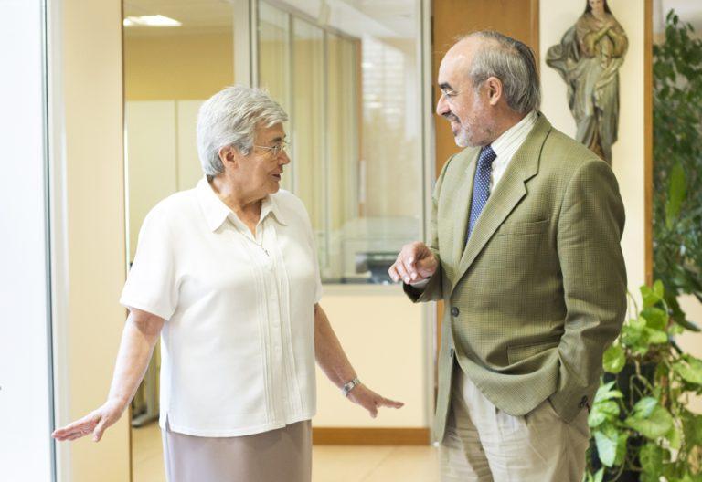 Julia García Monge secretaria saliente y Jesús Miguel Zamora, secretario general CONFER junio 2017