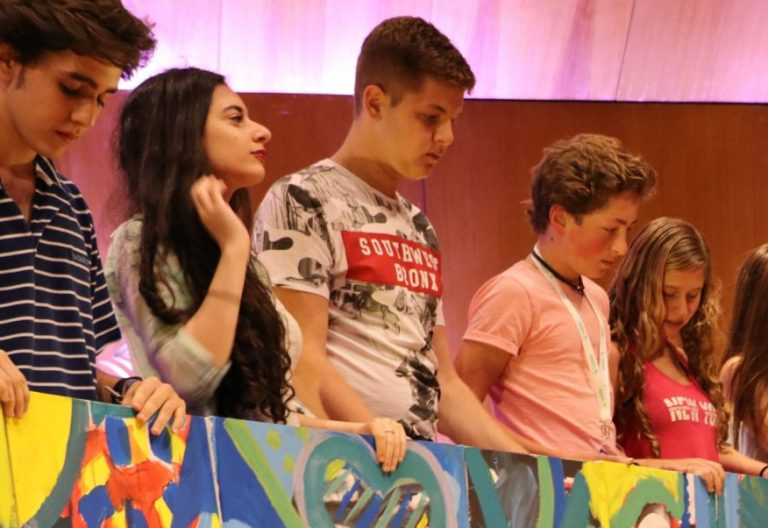 Jóvenes, en el congreso de Scholas Occurrentes celebrado en Jerusalén en julio de 2017/SCHOLAS