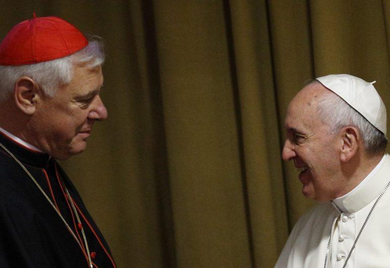 El papa Francisco y el cardenal Gerhard Müller, en el Sínodo de la Familia de 2014/CNS