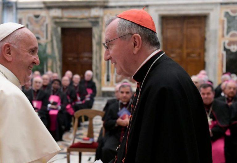 Francisco y Pietro Parolin, en un encuentro con los nuncios en 2016/LOSSERVATORE ROMANO