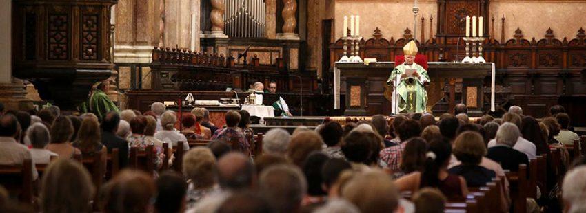 El cardenal Antonio Cañizares, en el funeral en Valencia por las víctimas de los atentados de Barcelona/AVAN