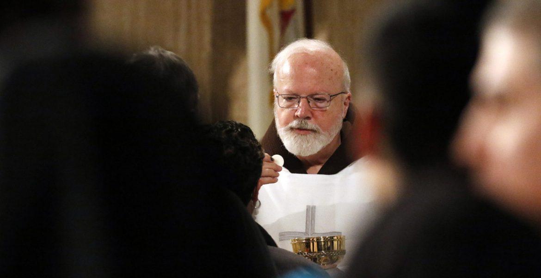 El cardenal Sean P. O'Malley , en la celebración de una eucaristía/CNS