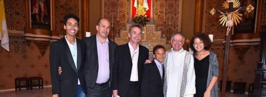 El Papa felicita a una familia gay que ha bautizado a sus hijos Francisco Brasil
