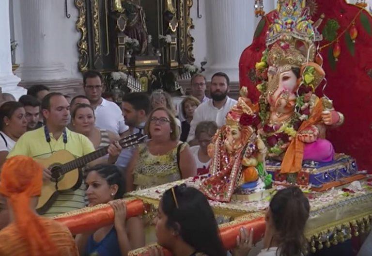 El obispo de Cádiz condena que la diosa ganesh entre en una iglesia