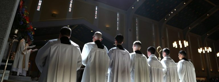 Imagen de archivo de una ordenación sacerdotal en Virginia/CNS