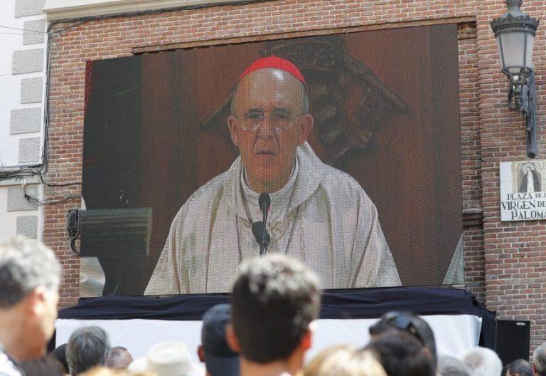 La Misa solemne en honor a la Virgen de la Paloma, presidida por el cardenal Carlos Osoro, arzobispo de Madrid/EFE