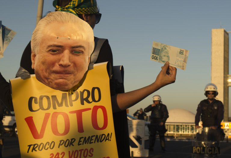 manifestantes en Brasil contra presidente Michel Temer acusado de corrupción 2 agosto 2017