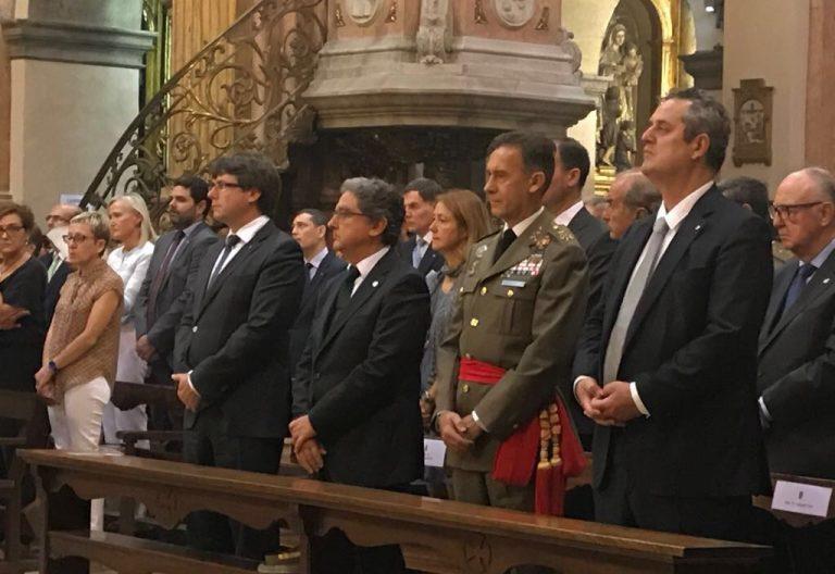 Las autoridades en la misa en honor a la Virgen de la Mercé 24 septiembre