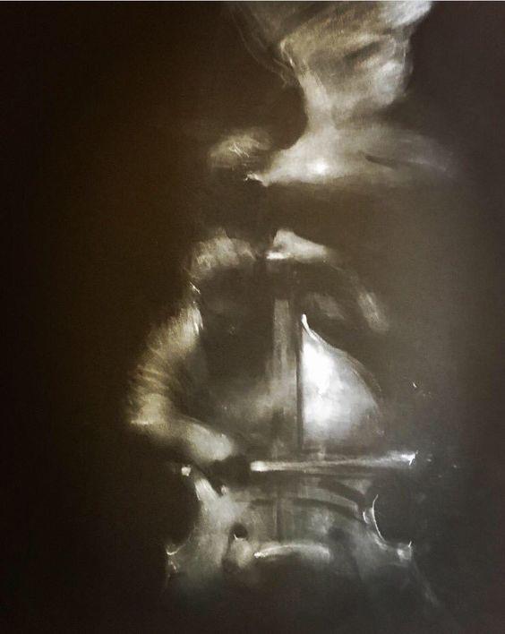 Ángel y cellista músico cuadro pintura obra de Charles Mackesy