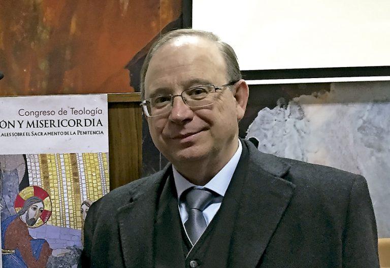 José Luis Sánchez Nogales, catedrático de filosofía de la religión de la universidad de Granada