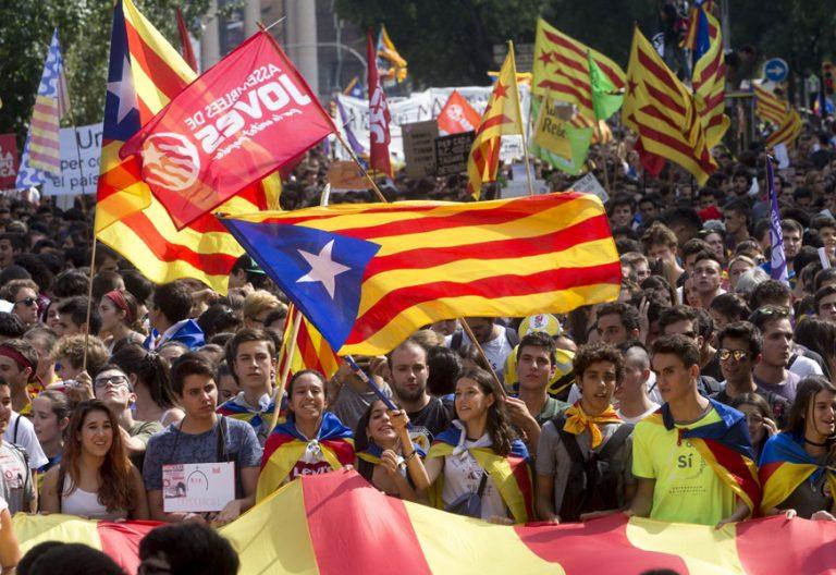 Manifestación en apoyo al referéndum en Barcelona