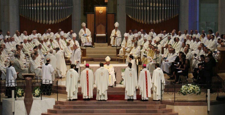 El cardenal arzobispo de Barcelona, Juan José Omella, ordena obispos auxiliares a Sergi Gordo y Antonio Vadell