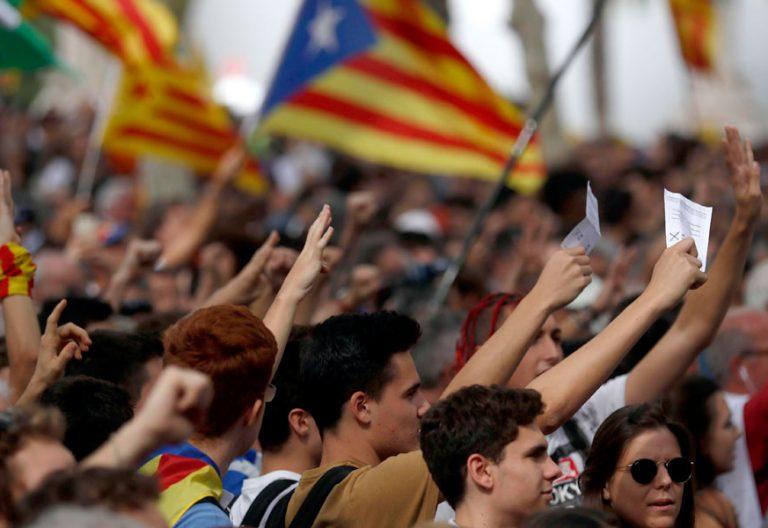 Protesta en las calles por no permitir el referéndum del 1-0 independencia 21 septiembre